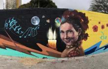 Mural de Esthercita Forero en la carrera 50 se inaugura al son de tradición