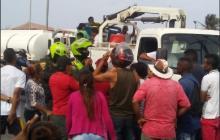 En La Pradera retienen dos vehículos de Electricaribe por falta de energía eléctrica