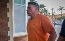 El técnico antioqueño Luis Fernando Suárez arribó ayer en silencio al Hotel Dann Carlton, sitio donde vivió los últimos cuatro meses.