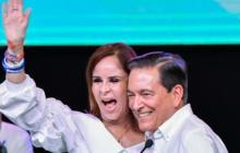 Laurentino Cortizo, nuevo presidente de Panmá, celebra con su esposa Yasmín Colón.