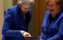 """Merkel respeta la decisión de May y subraya importancia de """"brexi"""" ordenado"""