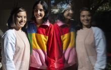 La ingeniera chilena Bernardita Danus posa junto a su compañera y diseñadora Montserrat Góngora.