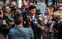 Javier Sanchez- Santos en las afueras del juzgado en Valencia.