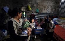 Vidas agrietadas y ajuste forzado, la cuesta arriba de los argentinos