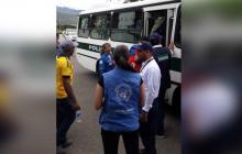 """""""Era demasiada injusticia, pasando hambre, de todo"""": colombianos deportados de Venezuela"""