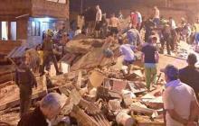 En video | Tres personas muertas tras desplome de edificio en Medellín