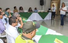 Bibiana Rincón, secretaria de Educación, socializa el plan con las distintas autoridades de la ciudad.