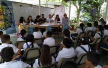 Los estudiantes del Experimental compartieron experiencias con los poetas.