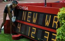 Sifan Hassan rompe el récord del mundo de la milla