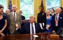 Aldrin y Collins piden a Trump seguir explorando el espacio