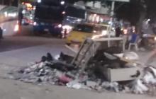 La foto tomada el lunes en horas de la noche muestra los escombros fueron recogidos en la mañana.