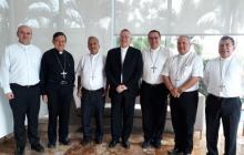 El nuncio Montemayor(centro)  con varios obispos de la Costa.