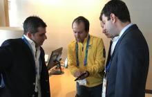 Ernesto Lucena en compañía de Alejandro Char, alcalde de Barranquilla, y Daniel Noguera, ex director de los Juegos Centroamericanos y del Caribe.