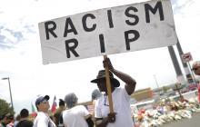 Racismo y misoginia: Policía busca los motivos de los autores de las matanzas en EEUU