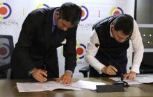 Firman convenio para evitar corrupción en contratos públicos