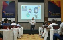 David borge durante su presentación el seminario de Innovación y tendencias en el servicio al cliente en el Blue Garden Centro de Convenciones.