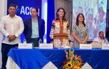 Mincomercio presenta plan para aumentar exportaciones