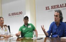 Melissa Aníbal, candidata al Concejo por el Polo; Diego Saavdera, candidato a la Asamblea por Unidos Podemos; y Sergio Fajardo en visita a EL HERALDO.