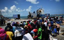 Bahameños escapan de la devastación de Dorian ante emergencia sanitaria