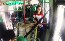 En video | Policía busca a la 'Manos de seda', que roba en buses
