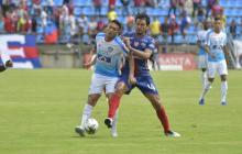 Teófilo Gutiérrez y Abel Aguilar, como de costumbre, se entraron fuerte y se dieron algunas patadas.
