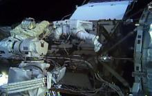 En video   Dos mujeres realizan por primera vez una caminata espacial juntas