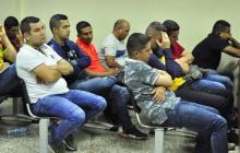 Algunos de los integrantes de la Policía ayer durante la audiencia de legalización de capturas.