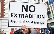 Assange comparece ante el tribunal en Londres