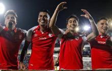 Los jugadores de Santa Fe celebrando la victoria ante Millonarios.