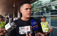 Giovanny Urshela luego de aterrizar en el aeropuerto de Cartagena.