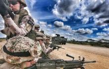 Soldados en plena operación en el desierto de la Alta Guajira.