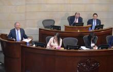 Moción de censura contra mindefensa tendría los votos necesarios en Senado