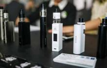 Trump busca elevar edad mínima para compra de cigarrillos eléctricos a 21 años