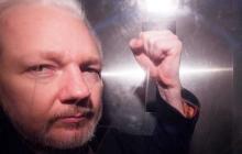 """El padre de Assange afirma que su hijo """"puede morir en prisión"""""""