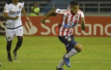 El lateral Gabriel Fuentes proyectándose al ataque.
