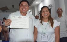 José David Cura Buelvas, al recibir su certificación.