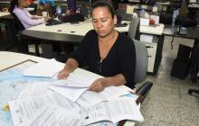 Mónica Hernández Coba muestra las decisiones a su favor.