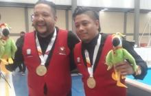 Los billaristas Keny Castro y Leiniker Quiñónez.
