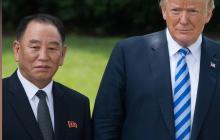 Kim Yong Chol junto a Donald Trump durante una visita que realizó el funcionario de Corea del Norte a la casa Blanca, en Estados Unidos.