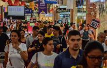 Barranquilleros aprovechan el fin de semana para realizar sus compras en el centro comercial Único.