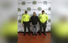 Elkin Cera López (c), el vigilante informal que será llevado a la cárcel.