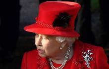 """La reina Isabel II celebra el """"compromiso"""" de los jóvenes ante el cambio climático"""