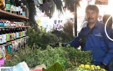 Henry Ospina Medina en su venta de plantas medicinales y otras.