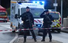 Fiscalía antiterrorista francesa investiga el acuchillamiento en afueras de París