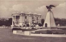 Postal de 1926, año en que fue inaugurado el monumento a los mártires de Bocas de Ceniza, el águila que fue traída desde Alemania.