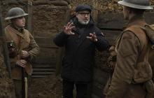 El director Sam Mendes durante el rodaje.