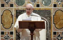 """Papa critica a líderes mundiales por """"débil"""" respuesta ante el cambio climático"""