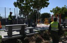 Uniformados de la Policía recorren el parque José Consuegra Higgins, lugar de la pelea con piedras.
