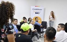 Jóvenes presentan iniciativas a primera dama del Distrito