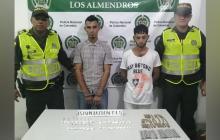 Deivis David Mantilla y John Bairo Graciano, capturados con  63 cigarrillos de marihuana y 36 bolsas de clorhidrato de cocaína.